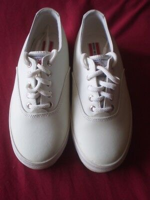 BEVERLY HILLS POLO CLUB Shoes Women Size 3 Casual Sneakers White