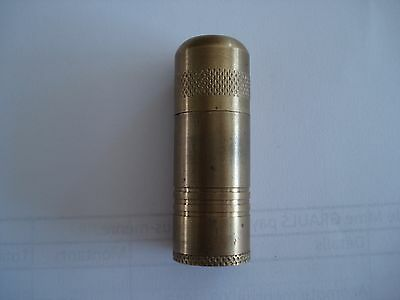 Briquet en bronze.