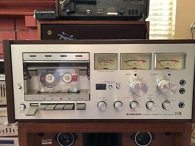 Pioneer-CT-F700 in wood case from vintage Pioneer system , need service