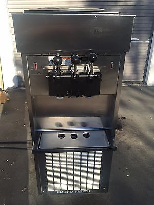 2011 Electrofreeze SL500 Soft Serve Ice Cream Frozen Yogurt Machine Warranty