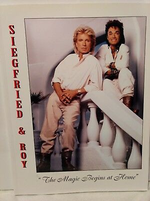 """SIGNED Magicians SIEGFRIED & ROY Photo Book Magic Begins At Home 8 x 11"""" #S&R15"""
