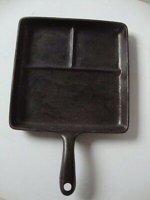 Vintage Cast Iron Wagner Ware Egg and Bacon Breakfast Skillet