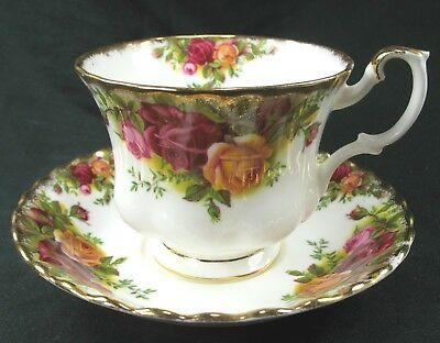 """Royal Albert """"Old Country Roses"""" Bone China Footed Teacup and Saucer"""