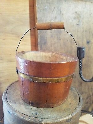 Excellent Primitive Antique 19Th C Or Early 20Th Century Small Wood Berry Bucket