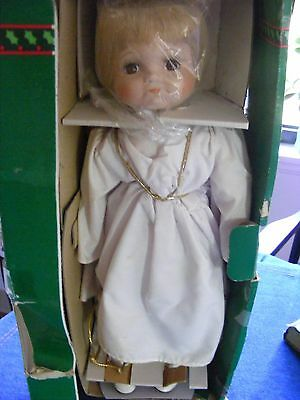 """Vintage House of Lloyd """"Christmas Around the World"""" Reluctant Angel Doll"""