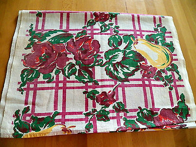 """Vtg 1950's Printed Cotton Runner 16""""x48"""" Fruit Floral pattern great condition"""