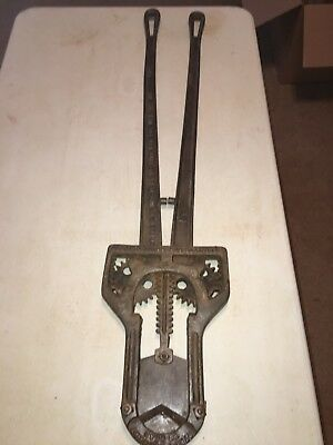 Antique Leavitt Cast Iron Cattle Dehorner (pat. Feb. 12, 1895)