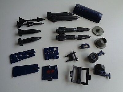 Gi Joe part COBRA RATTLER 1984 MISSILE RACK SPOTLIGHT LANDING GEAR STRUT PANEL