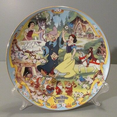 """1995 Bradford Exchange """"The Fairest One of All"""" Snow White Musical Plate"""
