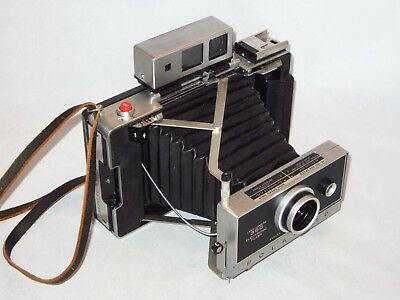 Polaroid Land 360 Camera, Zeiss viewfinder - CR123A Converted -  fully tested!!