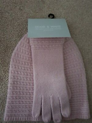 Designer Deane and White Cashmere and merino wool blush pink gloves and hat
