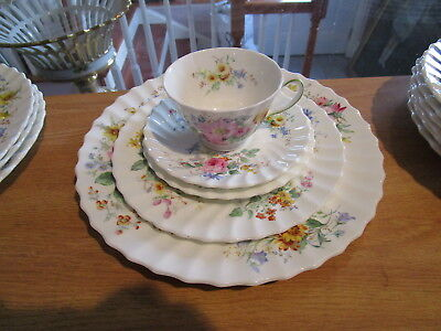 "ROYAL DOULTON ""Arcadia"" 5 Piece Place Setting - Multi-colored Floral"