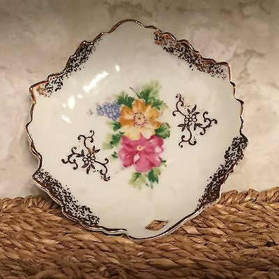 Leaf Shaped Dish/Plate w/Embossed Leaf Veins Flowers & Gold Color Trinket Japan