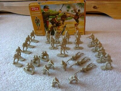 BOXED Airfix Japanese Infantry Figures x29 WWII 1/32 Toy Soldiers Vintage