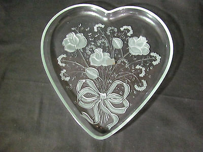 "Mikasa Crystal Rose Bouquet 12 1/2"" Heart Shaped Serving Tray SA554-650"