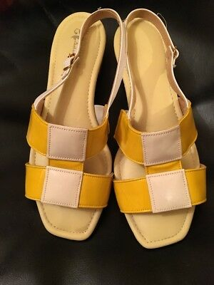 Vintage 1960's Yellow And White Merry Mules Vinyl Sandals Size 6W