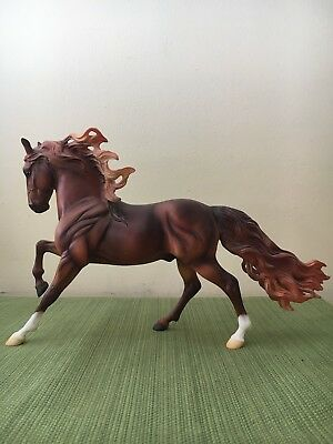 703018 Breyer 2008 Tour Model Caliente *RARE*