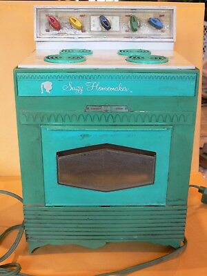 Vintage Suzy Homemaker Oven 1968 by Topper, Working