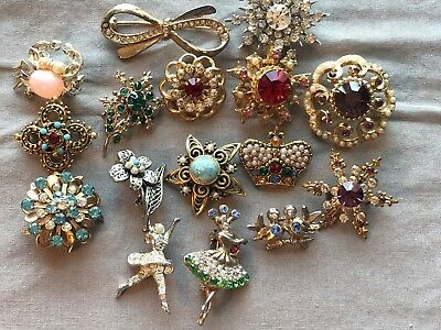 Lot of VINTAGE pins brooches Fleur De Lis, figural, rhinestones, signed, crown