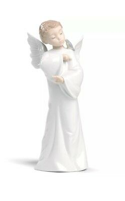 Nao Guardian Angel With Bird Porcelain  By Lladro   02001596