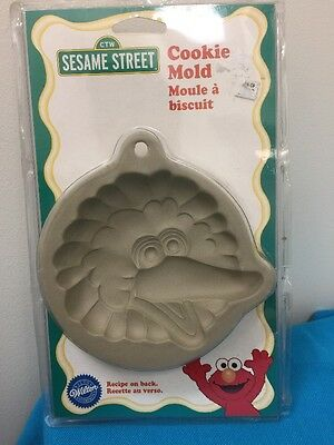 1998 Wilton Vintage Sesame Street Big Bird Cookie Biscuit Mold W Recipe New