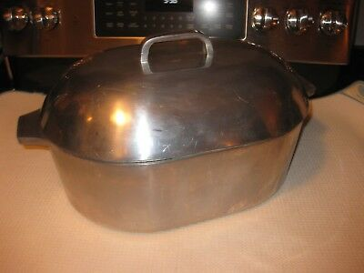 Heavy Antique / Vintage Cast Iron Oval Roaster w/ Lid Dutch Oven