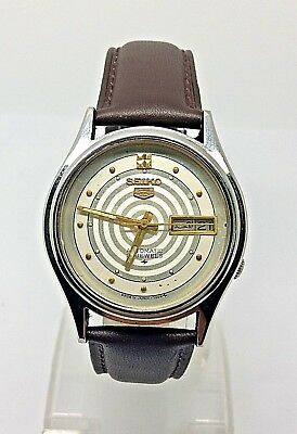 VINTAGE SEIKO 5 Automatic Day/Date GENTS WATCH, Japan made, used. (w-136)