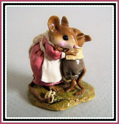Wee Forest Folk A Big Hug (rose/taupe) M-229a --Retired--