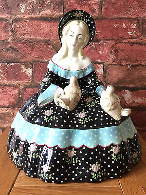 "Superb Lenci Pottery Circa 1930s ""Dama Con Colombe"" (Lady with Doves) Figurine"