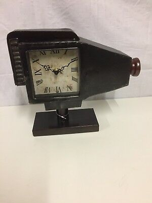 Old Movie Projector Style Clock