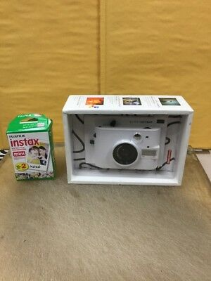 Genuine Lomography Lomo'Instant Camera (White) with 20 films Good Condition