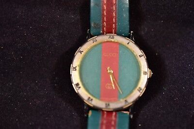 4067be98e06 Vintage Classic Gucci Red Green Watch Face And Band 9000L Ladies Watch