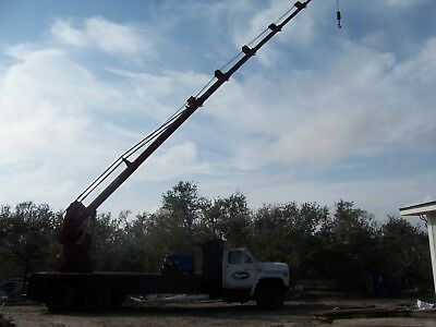 115/130 Skyhook Crane with Miller charger/welder