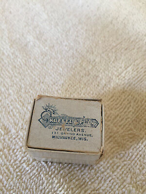 Thimble Box with Sterling Silver Thimble, Milwaukee, WI
