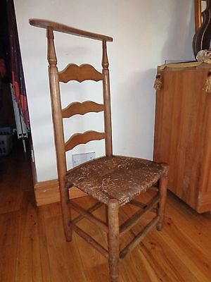 Use Antique/vintage Church Chair