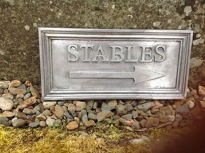 "SOLID LEAD EQUESTRIAN PLAQUE "" STABLES "" Arrow pointing Right + fitting screws"