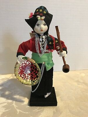 House of Handicrafts White Hmong Doll Made By Youthana Thailand Vandia Mongkhong