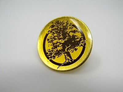 Vintage Collectible Pin: TREE Beautiful Design