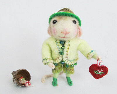 "OOAK 2010 Artist Barby Anderson 3"" Needle Felted Wool ""Smitty"" Valentine Mouse"