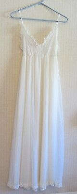 Vtg Long NIGHT GOWN and ROBE Peignoir Set Size SMALL Nylon Lace Off White