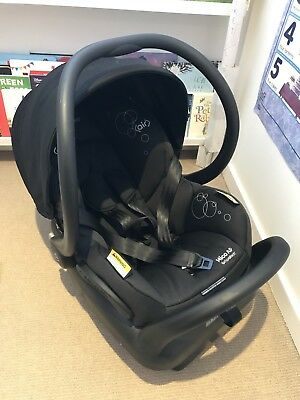 Maxi Cosi Mico AP Devoted Black child infant baby seat. Used For 3 Months.