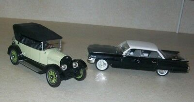 LAST REDUCTION!  2 NAT'L MUSEUM DIECAST CARS~1919 & 1961 CADILLAC SERIES w/CARDS