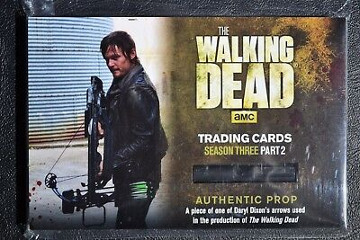 Walking Dead Season 3 Redemption R18 Daryl Arrow Variant Prop Large Trading Card