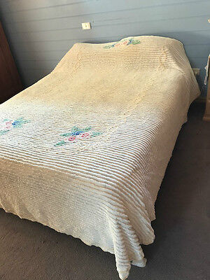 Vintage Candlewick Chenille Bedspread - Quilt - Queen Size - Funky