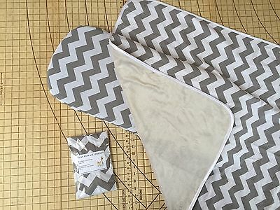 Baby Jogger Deluxe bassinet fitted sheets x2 & Blanket Grey Chevron