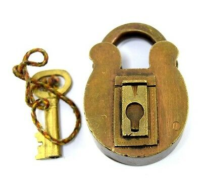 Old vintage Solid Brass One key padlock Rare collectible Indian Lock. i42-40
