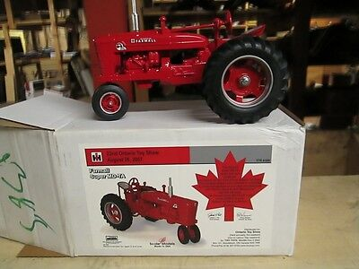 Farmall Super MD-TA 22nd Ontario Toy Show 1/16 Scale