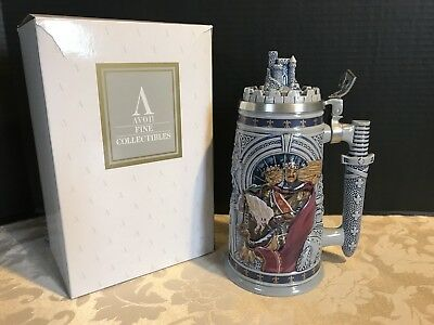 KNIGHTS OF THE REALM_King Arthur_Lidded Beer Stein by Avon_ 1995 #991-  NEW!
