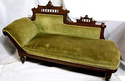 Antique American Victorian Eastlake Fainting Couch in Walnut & Velvet, c.1883