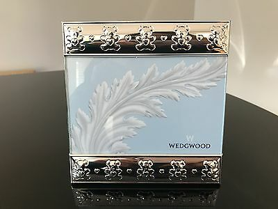 """NEW Wedgwood Silver Collection Bear Photo Frame (6""""x4"""")"""